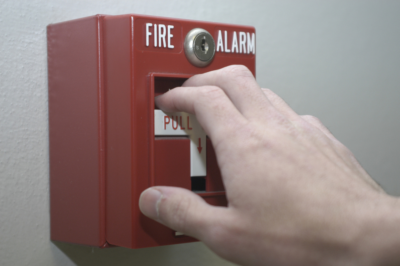 hand-and-fire-alarm-1509607-1278x849